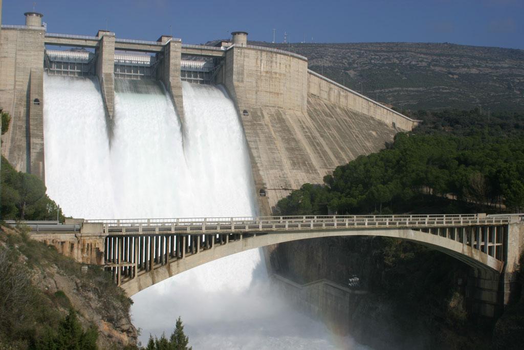 La CHE reinicia el programa de visitas a la presa de El Grado